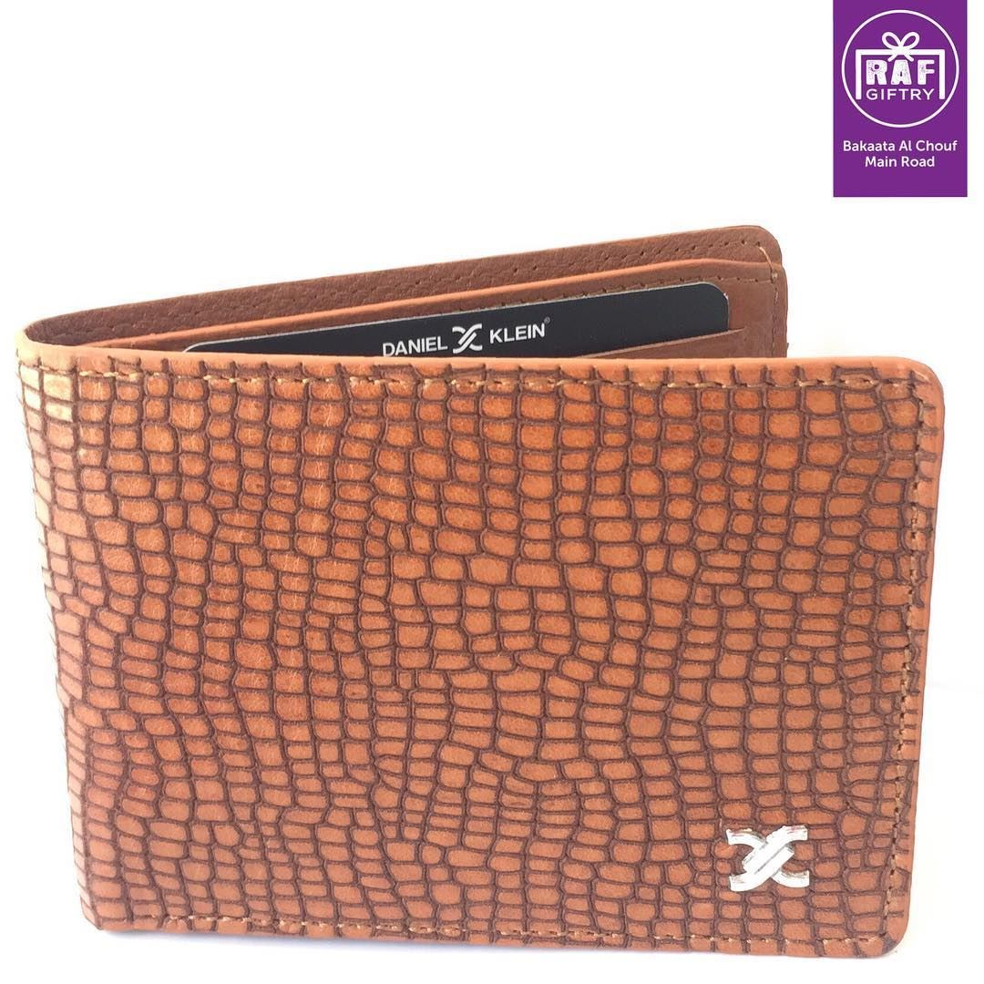 Luxurious Wallet for your belongings 💵💳 raf_giftry............ (Raf Giftry)