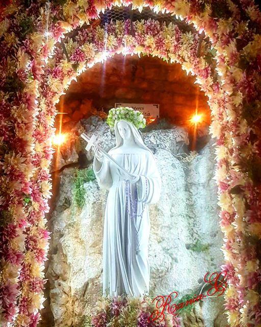 En ce jour de votre Fete , Sainte Rita , mon amie et ma protectrice , je... (Ste rita Ghadir)