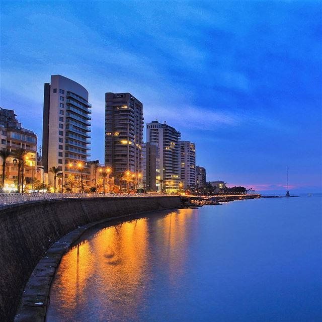 Beirut ❤️ بيروتBy @f.rostom AinElMrayseh Beirut Beyrouth Liban ... (Ain El Mreisse, Beyrouth, Lebanon)