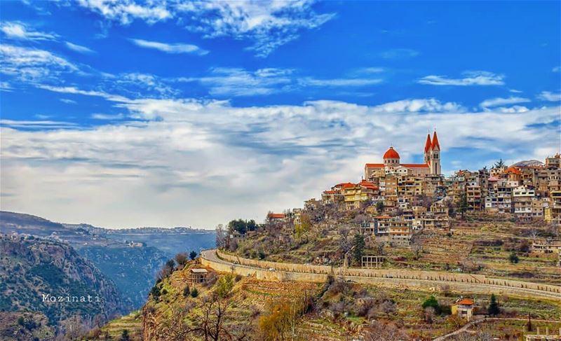 تعال نسهر و لو ليلة قمرية واحدة معاً نجلس بين غيمة الشك المسافرة و سماء الح (Bsharri, Lebanon)