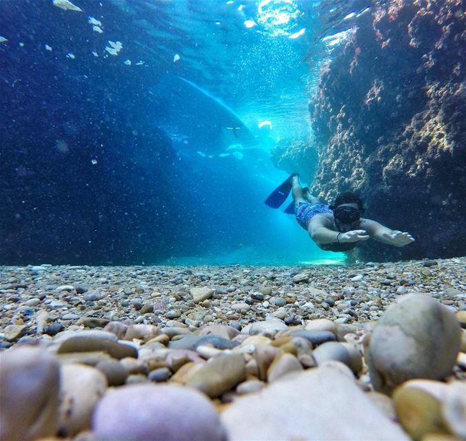 Batroun's shore is probably the clearest in Lebanon 🧜🏼♂️... (Batroûn)