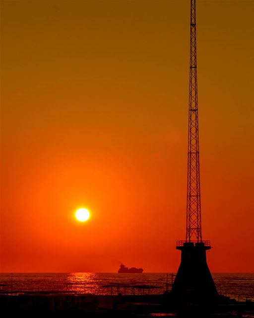 🌅🌅........ Sunset sunshine lebanon beirut sea landscape nature... (Ain El Mreisse, Beyrouth, Lebanon)