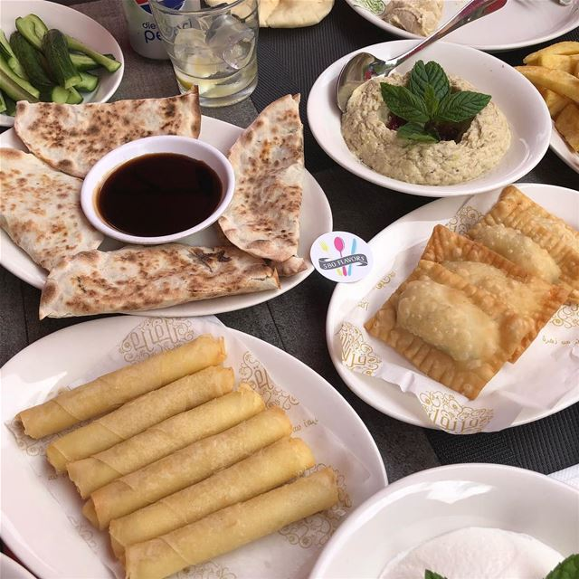 The perfect spread @krunfullebnen dbayeh ... 580flavors lebanesefood ... (Kronfol)