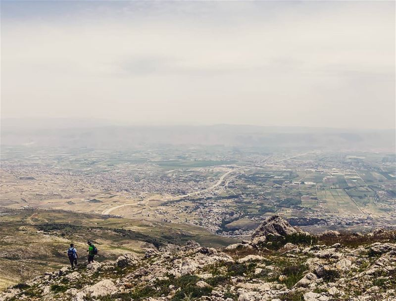 The Valley. Beqaa.____________________________________________________... (Jabal el Knîssé)