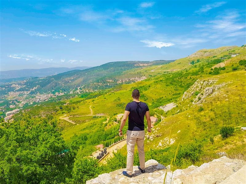 Live life on the edge! (Falougha, Mont-Liban, Lebanon)