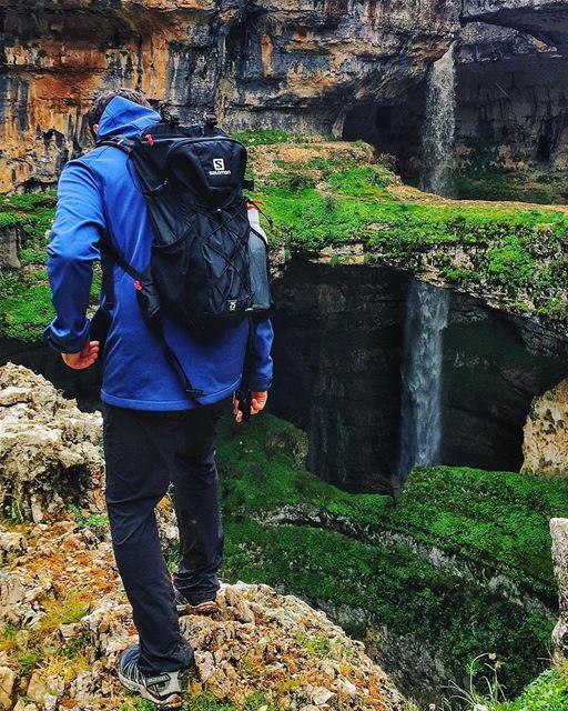 Killing coackroaches🦗 to make the trail safe for girls😌! gentleman ..... (Baatara gorge waterfall)