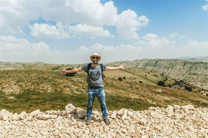 So high up thenomadexpedition livelovenomadThanks @nidal.majdalani... (Akoura, Mont-Liban, Lebanon)