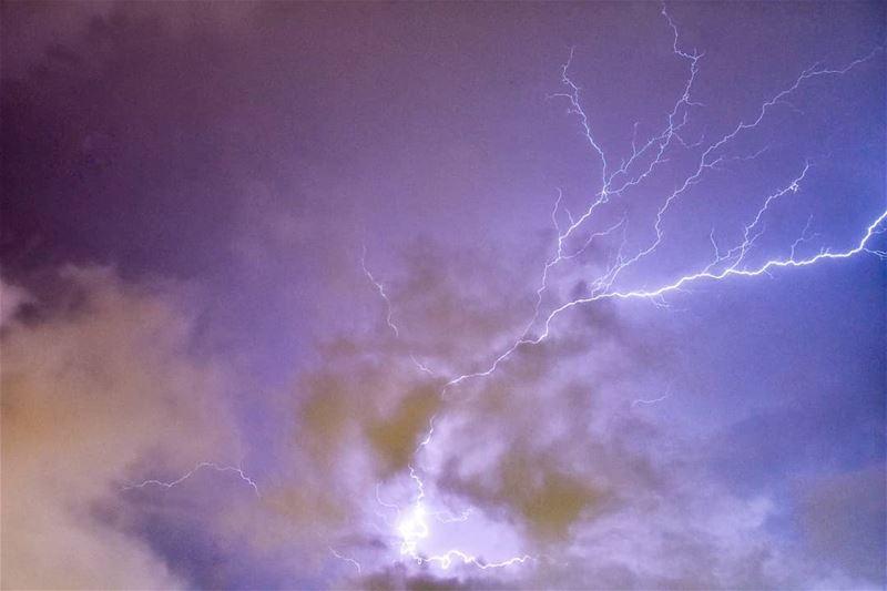 Electrical storm - Beirut, Lebanon 28-5-2018 livelovebeirut. storm ... (Beirut, Lebanon)