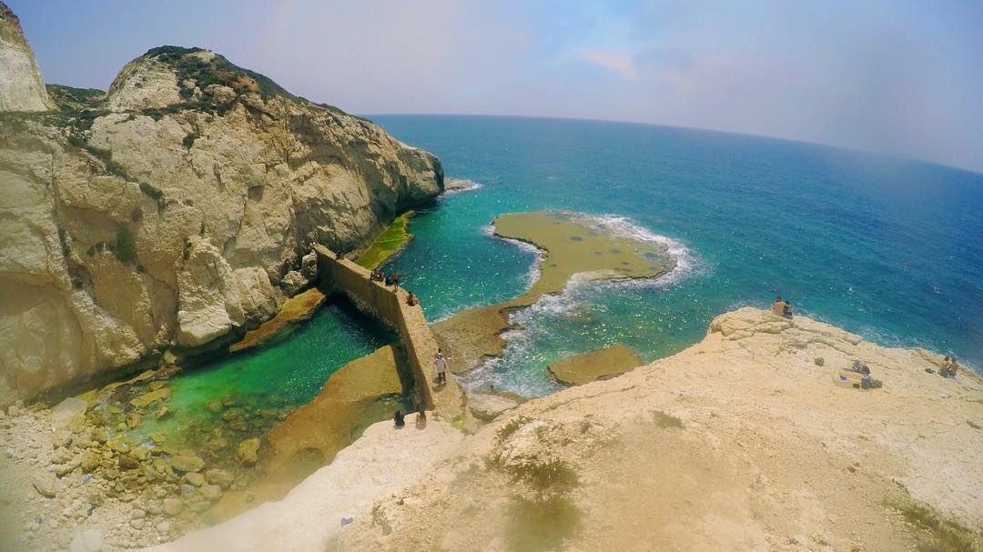 خلف البحر شو فيتا الناس بتسافردرب السفر مخفيويمكن مالو آخرشوفي خلف البح (الناقورة / Al Naqoura)