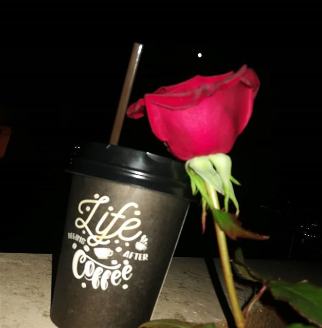 Its full flower moon😍 with coffee 😁🙄 fullmoon moon fullmoonnight ... (Baabda)