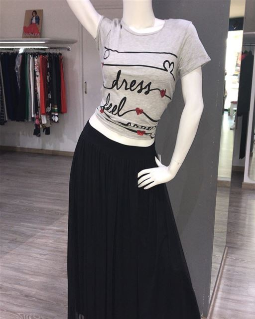 Today's casual outfit DailySketchLook 323 shopping italian boutique ... (Er Râbié, Mont-Liban, Lebanon)