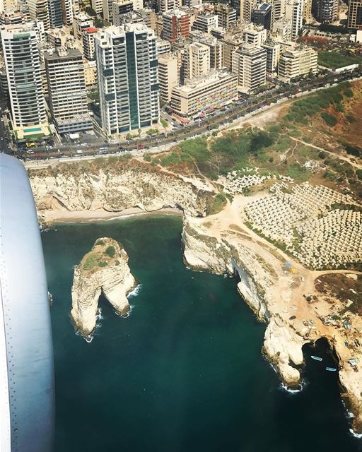 Beirut Everyday❤️By @sabineabouzeid Rawché Rawshe Beyrouth Beirut ... (Raouche Rock , Beirut , Lebanon)