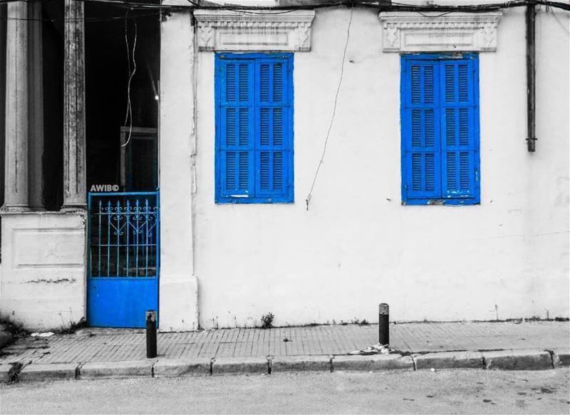 blue windows street streetphotography awandererinbeirut picoftheday ...