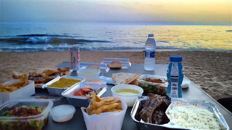 إفطار على البحر 💆♂️❤ رمضان_كريم@lwahofficial @barakatravel lwahwin...
