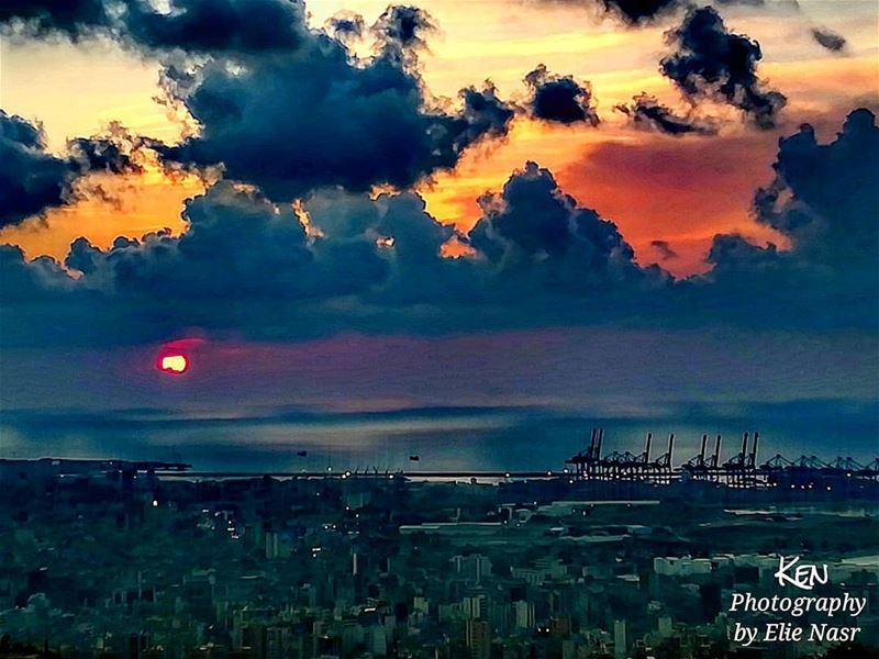 ...أسألك الرحيلا لنفترق أحبابا.. فالطير في كل موسمٍ.. تفارق الهضابا.. وال (Fanar, Mont-Liban, Lebanon)