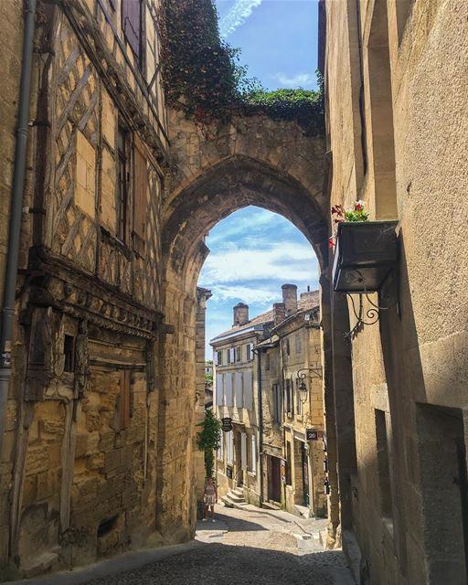 This village 💚 ______________________________________ LibanaisÀBordeaux... (Saint-Émilion)