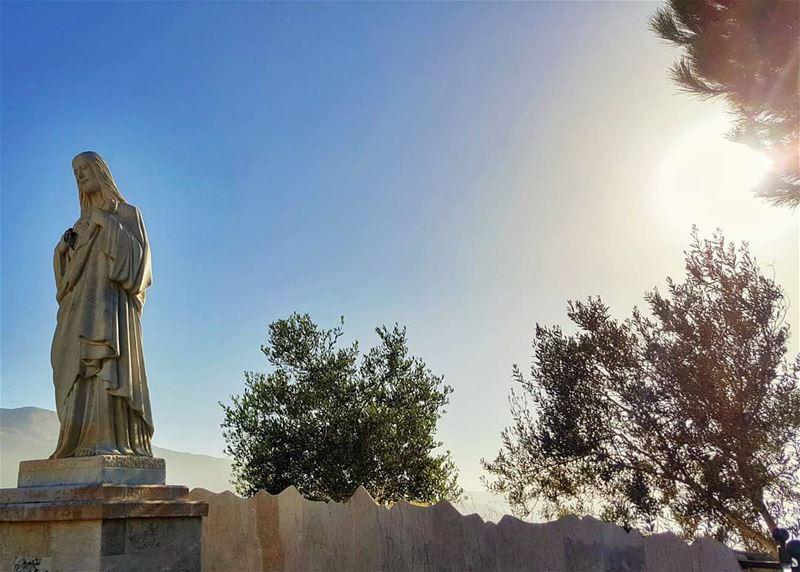 أسجد أمامك إلهي أعترف بك ملكيها هي حياتي في يديك إفعل بها ما تريد... (Bcharreh, Liban-Nord, Lebanon)