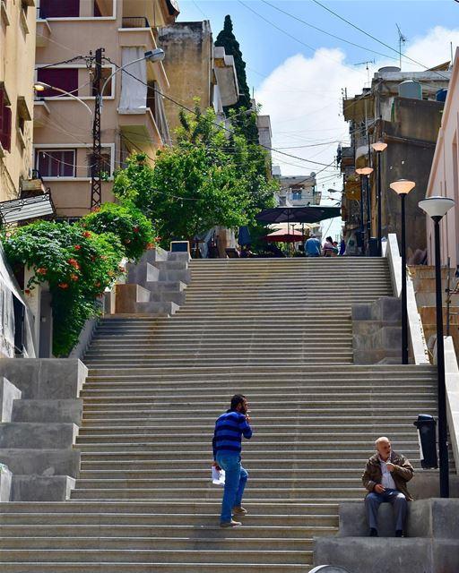 الحالة تعبانة يا ليلى ..🚬By @livefromlebanon Beyrouth Beirut Liban ... (Beirut, Lebanon)
