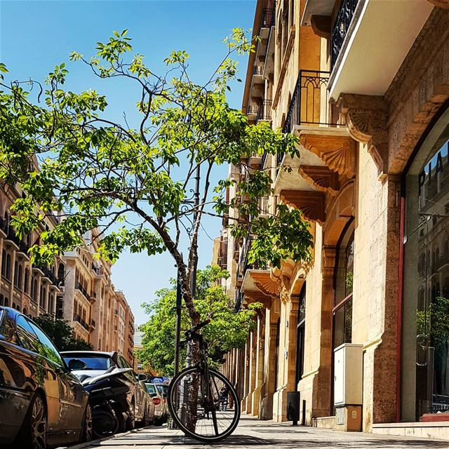 When I run in Beirut Streets..🍃......... picoftheday potd ... (Downtown Beirut)