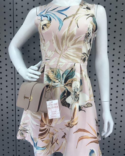 Floral dress to cool off on a hot dayDailySketchLook 238 shopping ... (Er Râbié, Mont-Liban, Lebanon)