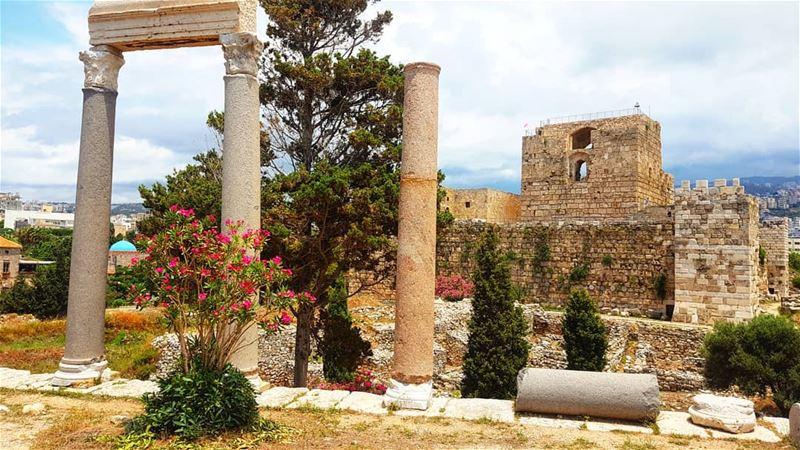 Lebanon Wonders 💫 -------------------------------------------------------- (Byblos Castle)