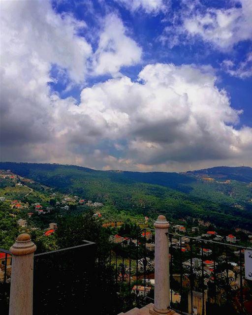 ~ On a tous le même soleil, la même lune sur nos sommeils...~ (Jezzîne, Al Janub, Lebanon)