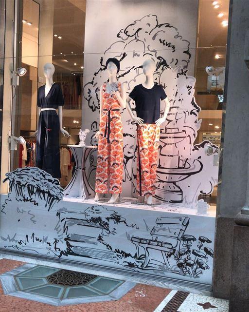 Beautiful display in Milan DailySketchLook 330 shopping italian ... (Milan, Italy)