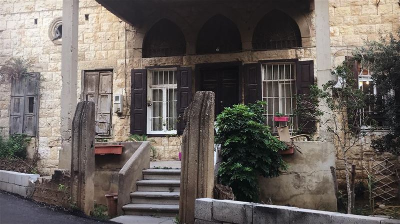 ~.A place where reality ends & fiction begins🏚🥧..~✨ oldlebanesehouses... (Lebanon)