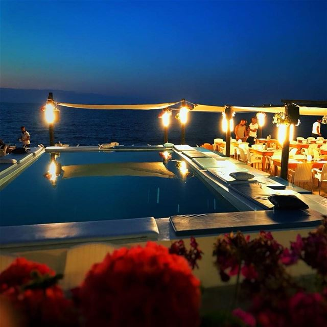 Meet us where the sky touches the sea @chez.fouad 70-788117 summernigts ... (Tahet el-rih تحت الرّيح)