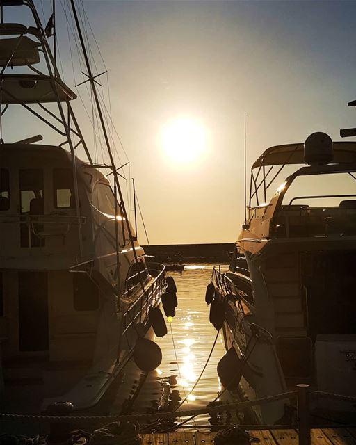 COME SAIL AWAY WITH ME ⛵⛵_________________________________ SunShine ... (Zaitunay Bay)
