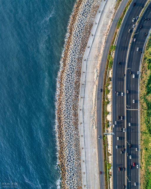 Connecting @livelovedbayehAnd @livelovejounieh 🚗... lebanon dbaye ... (Nahr al-Kalb)