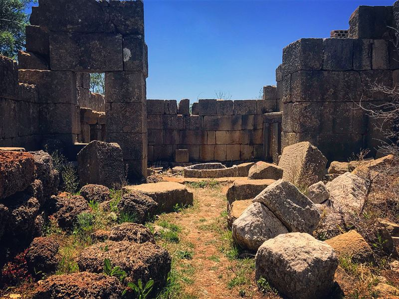 Temple of Atargatis (Deasura) 🧜🏼♀️.... temple romans history ... (Ruins Faqra Kfardebian)