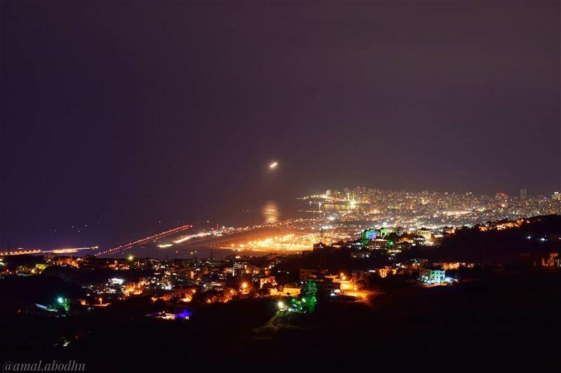 لا تستطع حضارة الكهرباء أن تضيء الظلام الداخلي في الامم.......... (Beirut, Lebanon)
