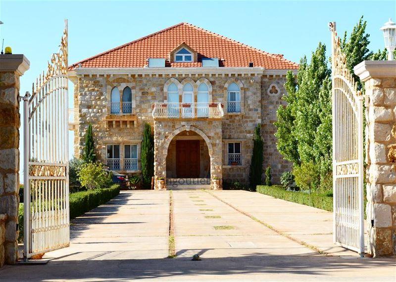 Lebanon Houses !- hangoutlebanon lebanonpocketguide livelovelebanon ... (Zebquine South Lebanon)