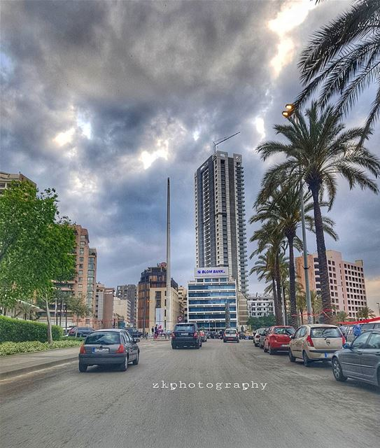 منلف فدواير و الدنيا دايرة بينا ... * insta_lebanon ig_lebanon ... (Beirut, Lebanon)