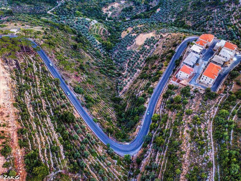 V road town livelovebeirut livelovelebanon deirelqamar lebanon leb ... (Deïr El Qamar, Mont-Liban, Lebanon)