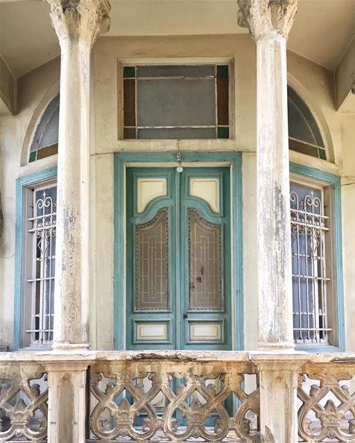 framed and ready to go 📸•• ihavethisthingwithbeirut urban ... (Beirut, Lebanon)