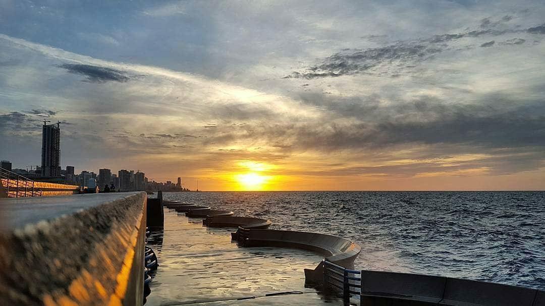 •Running 🏃Now 🌅🌅🌅🌅🌅• donebyme beirut lebanon lebanese sunset... (Beirut, Lebanon)