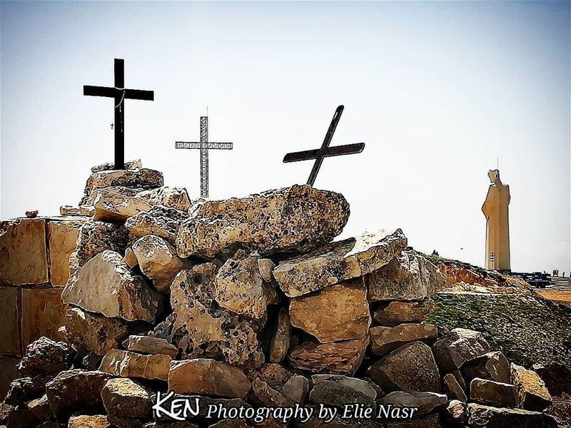 """...""""الصليب هو مفتاح باب السماء"""" مار_شربل saintcharbel faraya cross ... (Faraya, Mont-Liban, Lebanon)"""