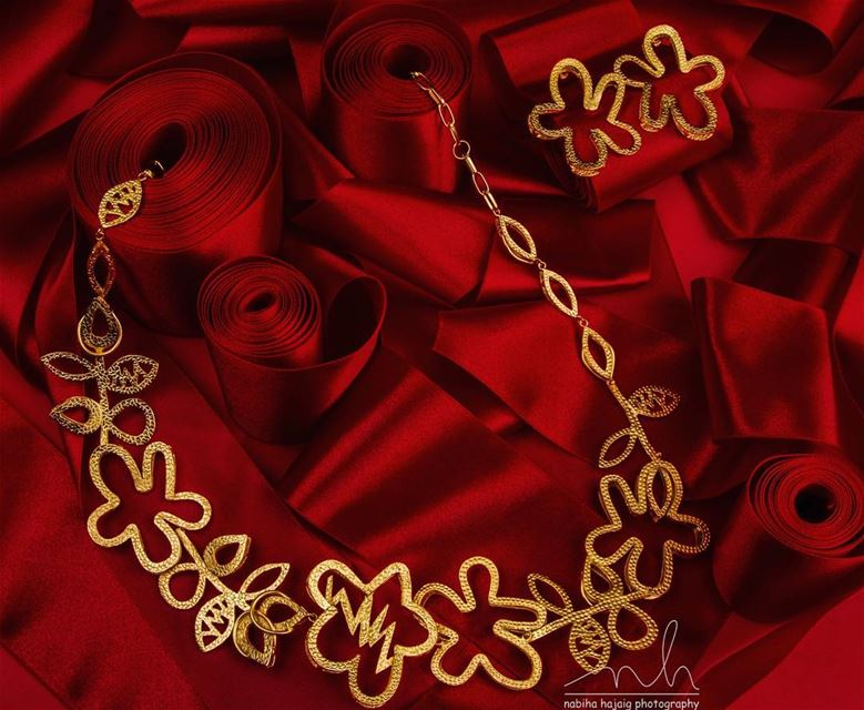 La Bella Jewelry Photography earrings red classic bracelet gold ...