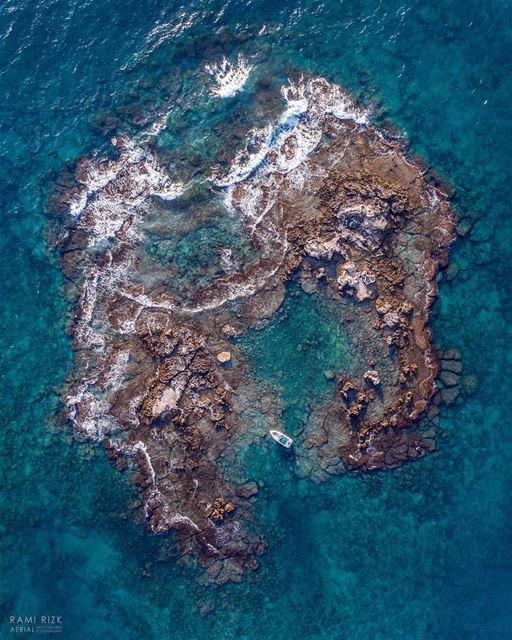 Floating Paradise 🌊... Tyr south Island lebanon jounieh dji ... (Tyre, Lebanon)
