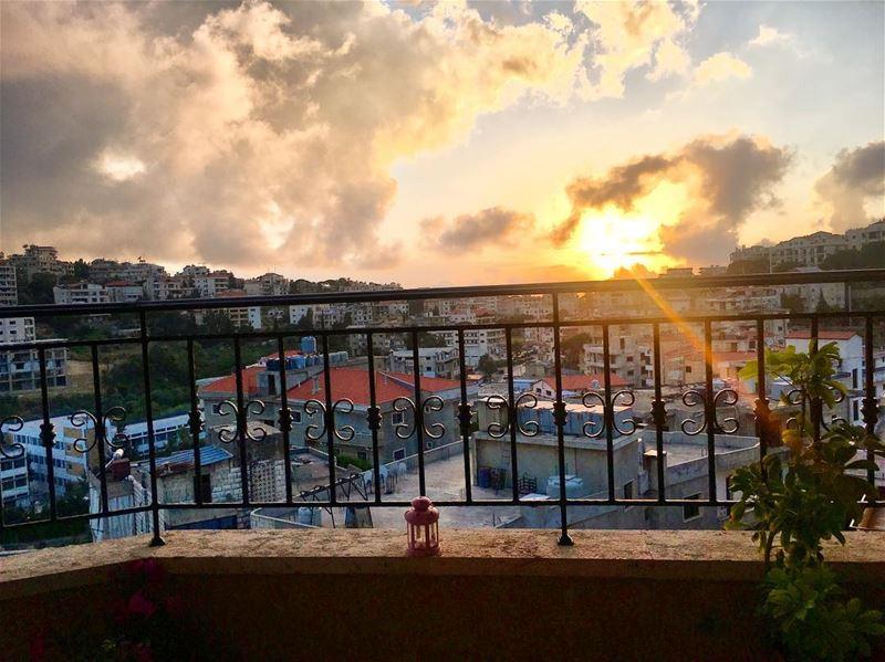 •••Sunset 🌅 June afternoon balcony sunset رمضان_كريم🌙 instaviews ... (Aley)