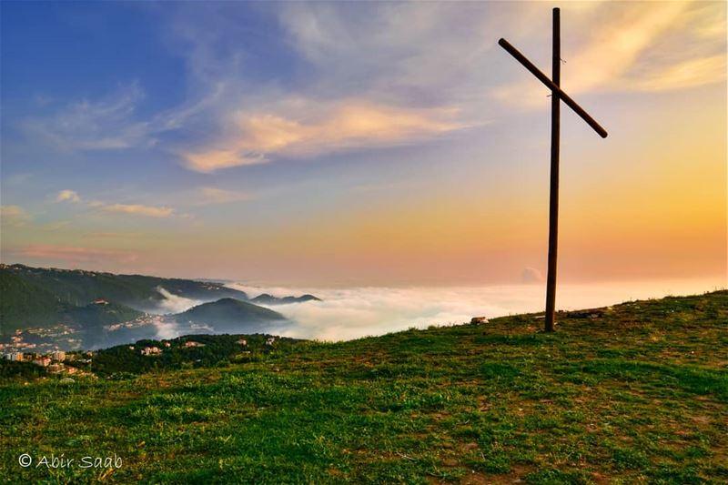 A foggy sunset from El Kfour lebanon kfour sunset cross ... (El Kfour, Mont-Liban, Lebanon)