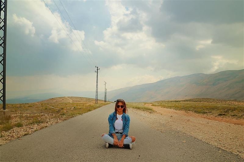 In the middle of the road, in the middle of nowhere 🤷🏻‍♀️.......... (Beqaa Valley)