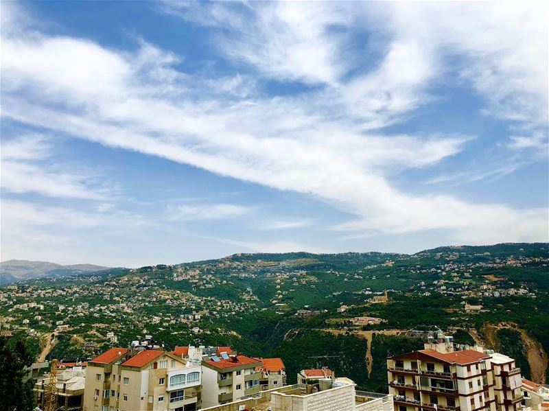Snapshot Ballouneh ••• iphonex igers lebanon lebanon_hdr beirut ... (Ballouneh, Mont-Liban, Lebanon)