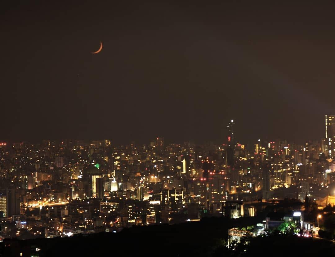 🌙 beirut nightphotography kings_hdr livelovebeirut lebanon_hdr ... (Beirut, Lebanon)