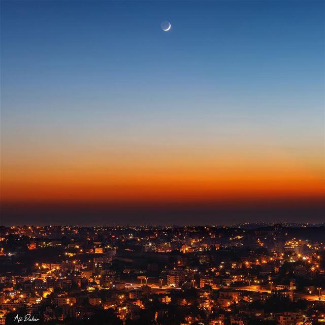 The moon as seen today 🌙 happyeid ... .. sunset sunsetporn... (Kfar Roummâne, Beyrouth, Lebanon)