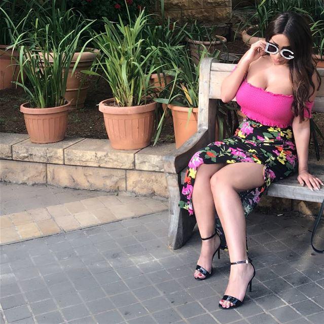 Saturday's in lebanon 🌸🌼 lebanon instapic pink حورية_السناب سونا_غسا (Brummana)