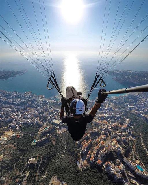 Curtindo o verão no Líbano! ☀️🇱🇧 Com a CidadaniaLibanesa, você desfruta... (Ghazir, Mont-Liban, Lebanon)