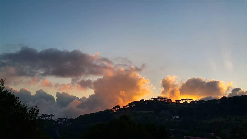 Burning. .silence sunset_vision sunset sunsetlover sky skyline ... (Mar Musa, Mont-Liban, Lebanon)